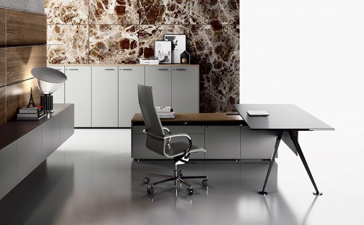 Scrivania direzionale spike design giorgio topan for Ufficio architetto design