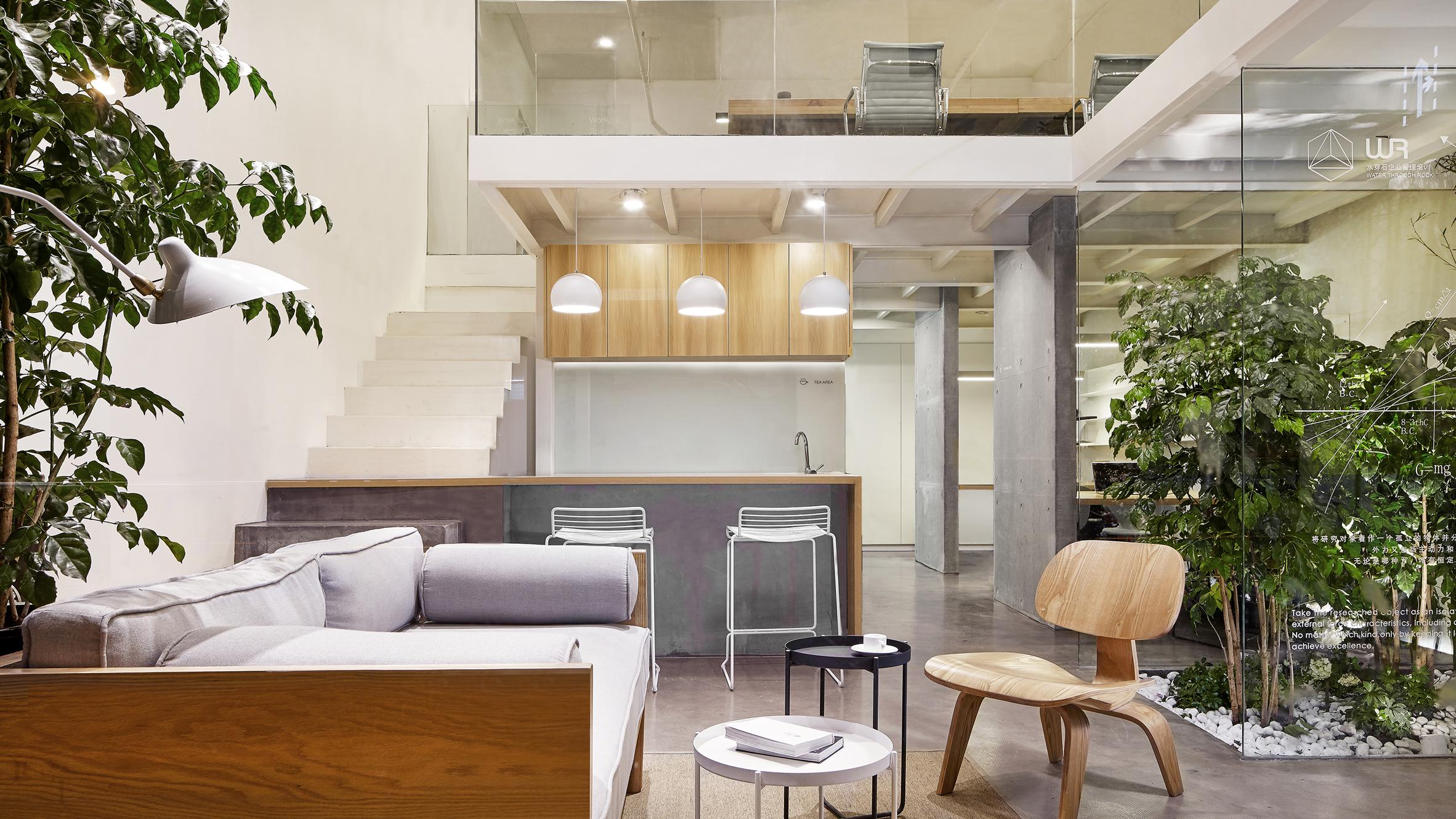 La filosofia dello spazio lavorativo accogliente come una for Interior design of office space