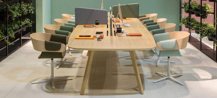 Una nuova collezione di arredi per ufficio e home office for Arredi per ufficio milano