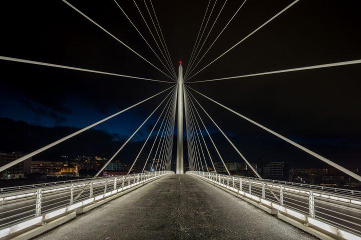 L illuminazione del ponte di san francesco di paola a cosenza